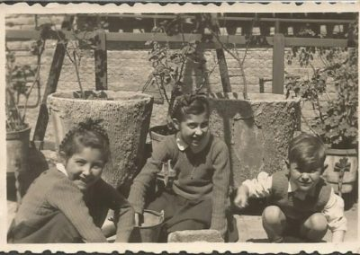 1947: With my sisters
