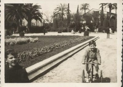 "1948: With tricycle in the ""Turó park"""